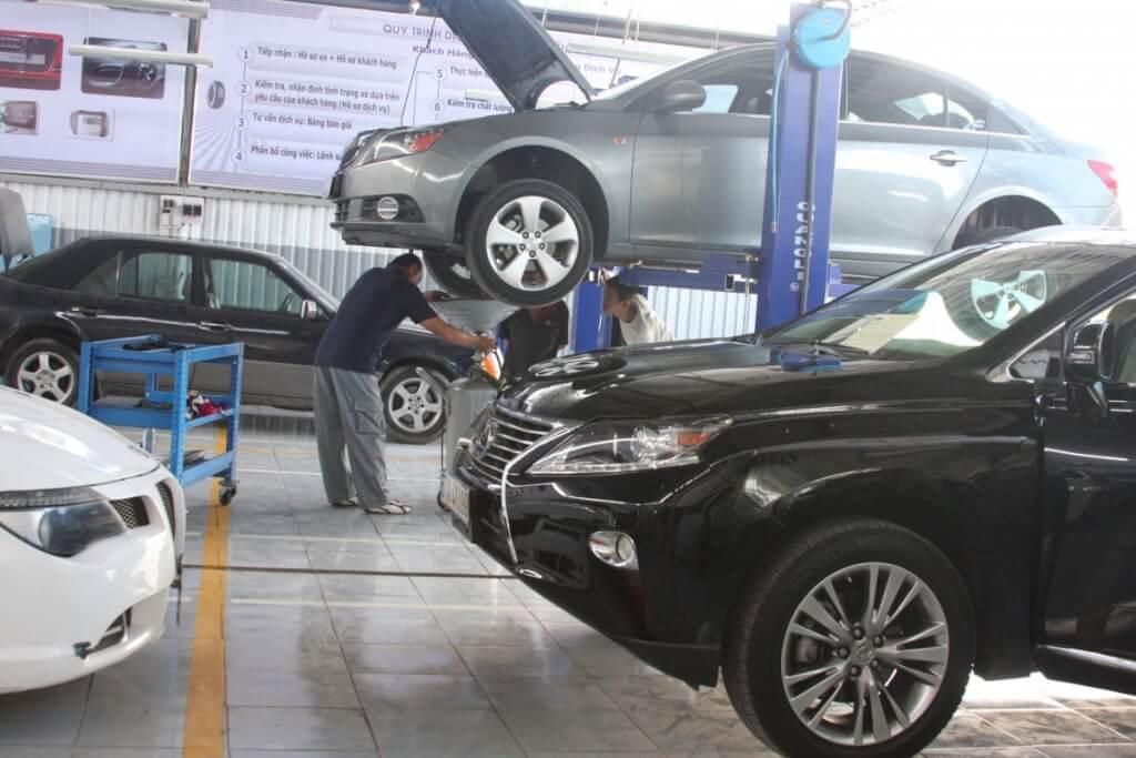 Top 5 địa chỉ thay dầu máy xe oto chất lượng tại TpHCM 3